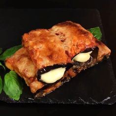 "This is ""Involtini di melanzane con prosciutto e mozzarella"" by Al.ta Cucina on Vimeo, the home for high quality videos and the people who love them. Clean Eating Snacks, Healthy Snacks, Healthy Recipes, Tasty Videos, Food Videos, Vegan Zucchini Recipes, Crockpot Lunch, No Cook Meals, Italian Recipes"