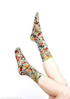 Flower socks, www.strathconastockings.com