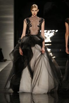 Another Reem Acra gown. I really do love this style.