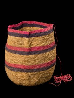 MOCHILA KOGUI E-63-I-342 Boho Bags, Tapestry Crochet, Textile Art, Knitted Hats, Dads, Textiles, Embroidery, Wool, Knitting