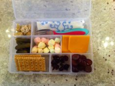 What a great way to pack snacks for a picnic or camping trip!  #picnic #kids #outdoor #travel #diy