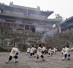 Tai Chi Monks at Wudang Shan - China Kung Fu, Karate Kid 2010, Tai Chi Exercise, Tai Chi For Beginners, Tai Chi Qigong, Martial Arts Techniques, Chinese Martial Arts, Martial Artists, Distinguish Between