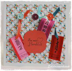 quadratische Valentinskarte mit Wertmarken und Knöpfen aus dem Schelmenwerkstatt-Shop