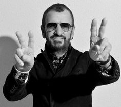 PAUL MCCARTNEY set the Grammys on fire with Kanye West and Rihanna and now his old Beatles band mate Ringo Starr is getting in on the action with a brilliant new album Beatles Band, John Lennon Beatles, The Beatles, Ringo Starr, Top Celebrities, Celebs, Light For The World, Richard Starkey, Give Peace A Chance
