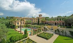Château Diter in Cannes, France Luxury Estate, Luxury Homes, French Riviera Style, Estilo Colonial, Mega Mansions, Cannes France, Beautiful Wedding Venues, Big Houses, Renaissance