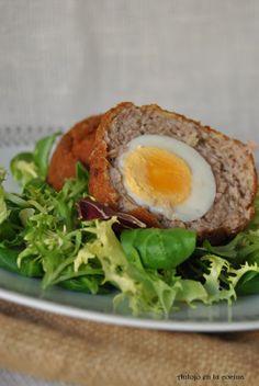 Huevos escoceses - Scottish eggs Avocado Toast, Baked Potato, Eggs, Baking, Breakfast, Ethnic Recipes, Tortillas, Food, Drink