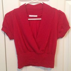 Short sleeve red crop top Cute red short sleeve crop top. Charlotte Russe Tops Crop Tops