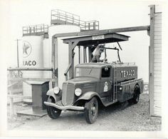 Texaco bulk truck being with fuel for home delivery. Antique Trucks, Vintage Trucks, Vintage Auto, Fuel Truck, Train Truck, Cool Trucks, Big Trucks, Chevron Gas, Best Wagons