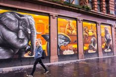 If you are a lover of street art, you will have a great time looking for the best mural of glasgow artists all over the city. the travel tester shows you Argyle Street, Urbane Kunst, Best Street Art, 3d Street Art, Street Graffiti, Graffiti Art, 3d Drawings, Deco, Urban Art
