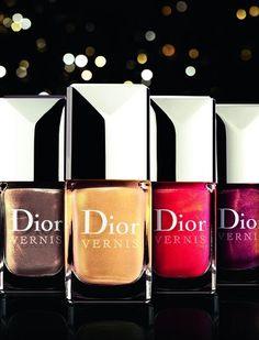 Esmalte-uñas-Dior  http://creandotuestilo.com/2011/11/21/esmalte-para-unas-colores-para-esta-temporada/