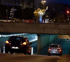 Pont de l'Alma tunnel where Diana died in a car crash in 1997 - princess-diana…