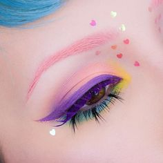 I didn't film a tutorial for this BUT let me know if you'd be interested in me doing one for this look!?✨ Used: @katvondbeauty Pastel Goth Palette, their everlasting liquid lipstick in Muñeca on my brows and Ayesha as my eyeliner, and the Alchemist palet