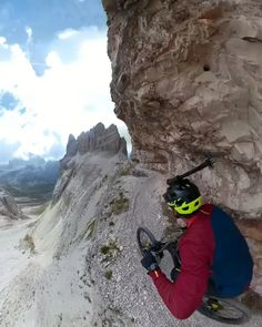 Travel Insurance - Got You Covered Downhill Bike, Mtb Bike, Bike Trails, Bicycle, Montain Bike, Velo Cargo, Wow Video, Beautiful Places To Travel, Trail Riding