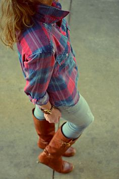 Flannel shirt with boots and grey jeans. Do I see the perfect fall outfit? YES