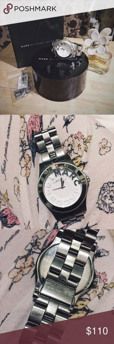 🌻 Marc by Marc Jacobs Logo Face Watch ⌚️ Pre-loved MbMJ monogram face watch! Condition is 7.5/10, will be like new after a simple cleaning. Watch doesn't run and will need a new battery. Links have been removed by original store Bloomingdales for my tiny tiny wrists, but will include original links to be added back on for your personal fit! Also includes original tag and box it came with. Marc by Marc Jacobs Accessories Watches