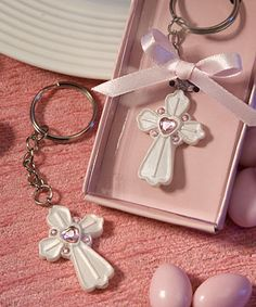 Pink Cross Design Favor Saver Key Chain Favors | hotref.com
