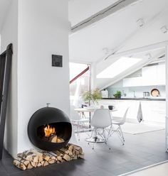 19 Stunning Examples of Modern Scandinavian Interiors – My Life Spot Stove Fireplace, Fireplace Remodel, Fireplace Design, Foyers, Modern Scandinavian Interior, Piece A Vivre, Home And Deco, Other Rooms, Contemporary Style