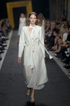 Gatta uzupełniła kreacje duetu paprocki&brzozowski o swoje produkty! #Gatta #fashion #runway #collection #pokaz #moda