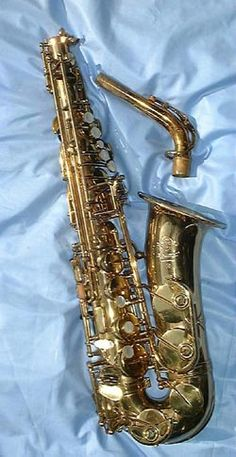 Vintage Selmer Mark VI Selmer Saxophone, Vintage Saxophones, Slide Guitar, Jazz Art, My Big Love, Clarinet, Music Theory, Cool Artwork, Musical Instruments