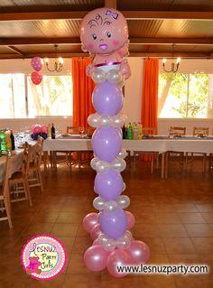 Torre de globos con figura de bebé - Balloon column baby themed