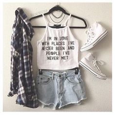 30 Summer Outfit Ideas to Upgrade Your Look - Pretty Designs Vest, Pale Jeans and Tartan Shirt via Teenage Outfits, Teen Fashion Outfits, Trendy Outfits, Girl Outfits, Hipster School Outfits, 50 Fashion, Fashion For Teens, Cute Middle School Outfits, Female Outfits