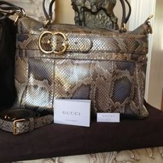 Gucci Handbags - GUCCI Lrg Python Top Handle w/ Dtchble Strap NWT