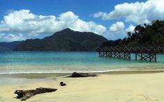 Pantai Pasir Putih - https://panwis.com