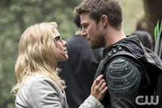 "#Arrow 5x23 ""Lian Yu"" - Felicity and Oliver"