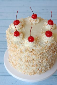 Pina Colda Cake - by glorioustreats.com This and the cupcakes look Yummy, I will definitely try to make them!!