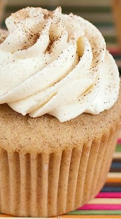 Snickerdoodle Cupcakes - Baked In Gourmet Cupcakes, Baking Cupcakes, Cupcake Cakes, Easter Cupcakes, Flower Cupcakes, Christmas Cupcakes, Köstliche Desserts, Delicious Desserts, Dessert Recipes