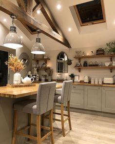 Cosy Kitchen, Kitchen Room Design, Farmhouse Style Kitchen, Home Decor Kitchen, Country Kitchen, Kitchen Interior, Cottage Kitchens, Home Kitchens, Küchen Design