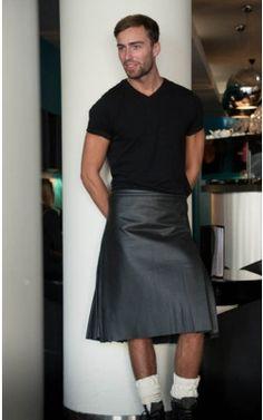 Black Leather Casual Kilt by Scotweb Tartan Mill Guys In Skirts, Boys Wearing Skirts, Kilt Skirt, Man Skirt, Under The Kilt, Black Wool, Black Leather, Rock Style Men, Leather Kilt