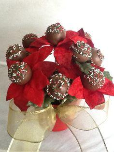 Poinsettia cake pops, christmas 2013, cake pops bouquets Christmas Cake Pops, Christmas Wreaths, Cake Pop Bouquet, Ornament Wreath, Ornaments, Poinsettia, Bouquets, Cakepops, Holiday Decor