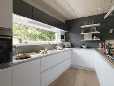 Most Noticeable Awesome Kitchen Window Design - homevignette Kitchen Room Design, Modern Kitchen Design, Home Decor Kitchen, Interior Design Kitchen, New Kitchen, Kitchen Dining, Kitchen Cabinets, Awesome Kitchen, Kitchen Ideas