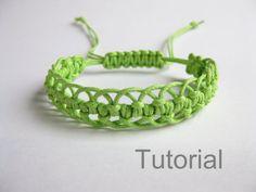 Bracelet modèle macramé pdf tutoriel vert réglable fermoir bijoux makrame tuto étape par étape micro bricolage Noël téléchargement immédiat ...