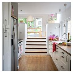 GAP Interiors - Modern split level kitchen diner - Picture library specialising in Interiors, Lifestyle & Homes Split Level Kitchen, Split Level House Plans, Level Homes, Trendy Home, Country Kitchen, Diner Kitchen, Kitchen White, Kitchen Living, Home Kitchens
