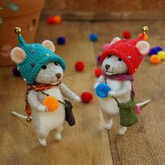 Needle felted mouse/poseable/decoration/gift/soft