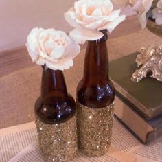 16 Impressive DIY Ideas How To Recycle Empty Bottles I'm gunna need this just found 33 wine bottles in my cabinets to be crafty with Cute Crafts, Diy And Crafts, Arts And Crafts, Empty Bottles, Beer Bottles, Bottle Vase, Beer Bottle Centerpieces, Recycle Bottles, Beer Bottle Crafts