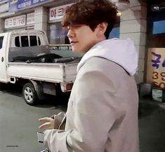 For some people, the word lolly is just too disgusting to ever exist. Baekhyun Wallpaper, Exo Fan Art, Exo Members, Boyfriend Material, Wattpad, Chanyeol, Fandom, Chanbaek, People