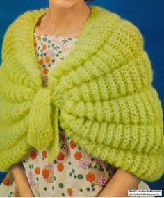 Points employés : j Knitted Cape, Knitted Shawls, Crochet Shawl, Diy Crochet, Knitting Projects, Crochet Projects, Knitting Patterns, Crochet Patterns, Creative Knitting