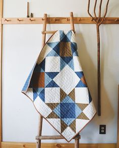 "2,162 mentions J'aime, 30 commentaires - SARA B (@farmandfolk) sur Instagram : ""I recently wrote a tutorial for this fun lap quilt for the magazine @molliemakes . It's a fast and…"""