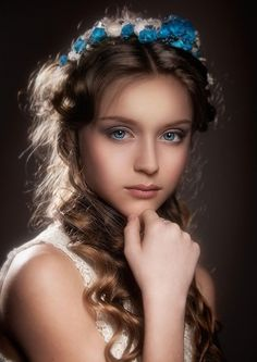 nature beauty — With Love ❤️ Beautiful. Light Photography, Children Photography, Portrait Photography, Color Photography, Girl Face, Woman Face, Portrait Inspiration, Female Portrait, Beautiful Children