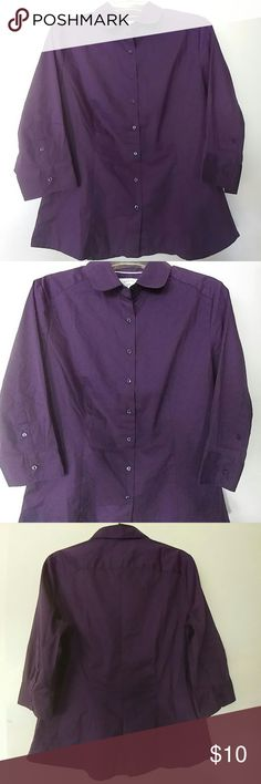 WOMEN'S PURPLE BUTTON DOWN BLOUSE SIZE M Riders by Lee.  Deep rich Purple blouse.  3/4length buttoned sleeves.  Slimming fit.  Slightly tailored waist.  Slightly flared hem.  Figure flattering.  Dress up or down.  A Closet classic. Lee Tops Button Down Shirts