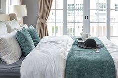 Aprenda a usar mantas na decoração: além de deixar seu quarto mais quentinho para o inverno, dão sensação de aconchego!