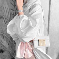 Modern Hijab Fashion, Modesty Fashion, Arab Fashion, Muslim Fashion, Fashion Models, Fashion Outfits, Abaya Designs, Trendy Girl, Hijabi Girl