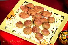 Jill of all Trades: Steamed Banana Blossom Falafel/ Vazhaipoo Kondai Kadalai Urundai (Vada)
