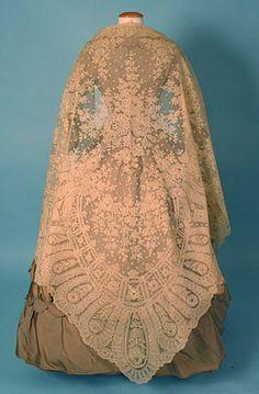 . handmade lace shawl c 1860 Whitaker Auction oct 24, 2004