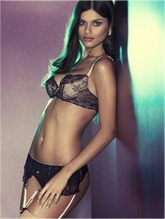 La collection printemps / été 2015 de Paladini #paladini #underwear #bra #thong #brief #string #suspender #silk #lace #tulle #lingerie #blog #bloglingerie #lebloglingerie #dentelle #soie #sexy