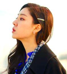Crash Landing on You Seo Ji-hye Inspired Hair Clip 003 - So Not Size Zero, Clip Hairstyles, Wedding Hairstyles, Korean Accessories, Hair Accessories, Gold One Piece, Seo Ji Hye, Size Zero, Short Wedding Hair, Korean Actresses