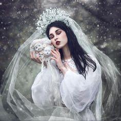 White, beautiful, but so creepy! Love this! Margarita Kareva Snowy Dolls